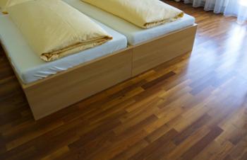 mit welchen matratzen sie richtig liegen. Black Bedroom Furniture Sets. Home Design Ideas