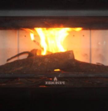 wie lange brennt bioethanol im kamin. Black Bedroom Furniture Sets. Home Design Ideas