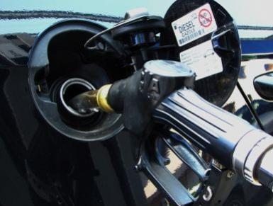 Die Auftankung vom Benzin bei ip